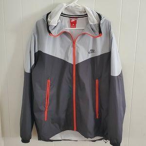 Nike Windbreaker in Great Condition